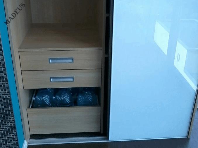 Шкаф купе Хозяйственный