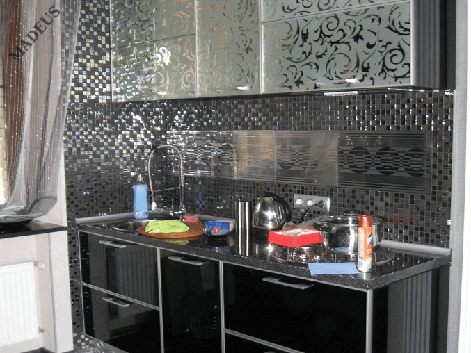 Кухня Блэкгласс